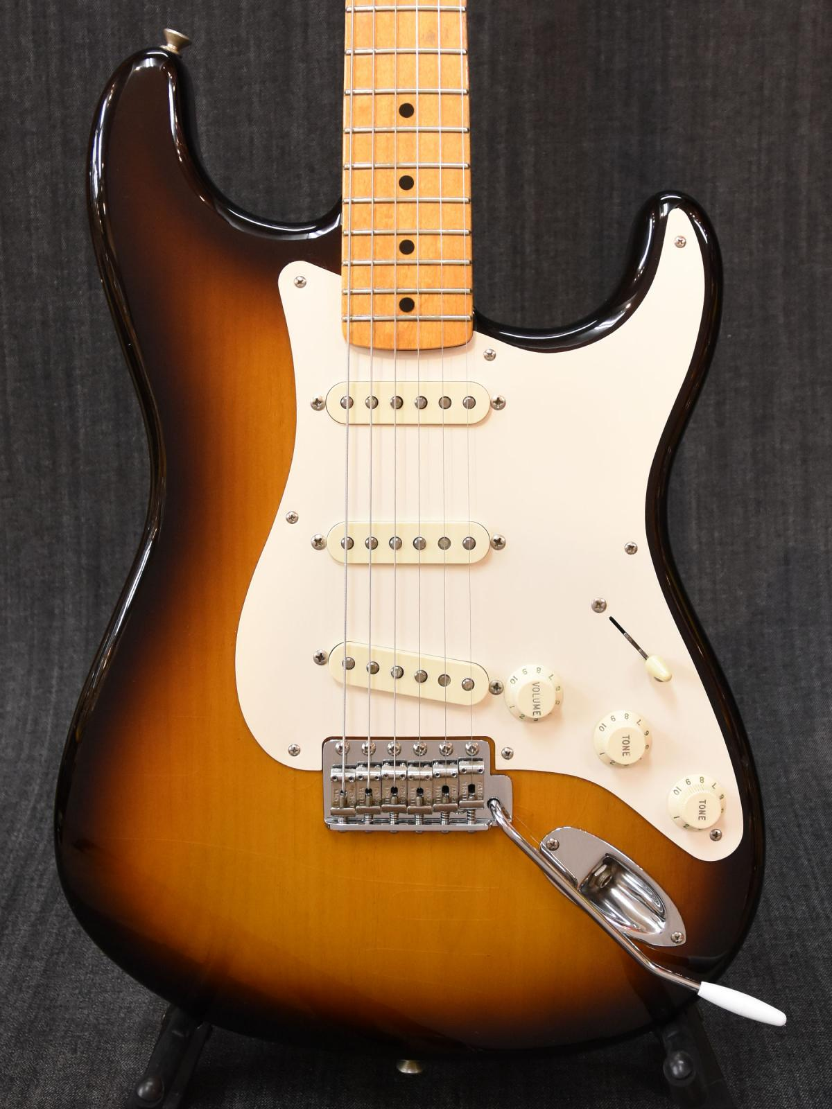 American Vintage 1957 Stratocaster Thin Lacquer